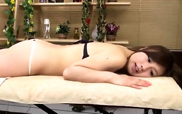 Softcore Soapy rubdown From japanese cougar